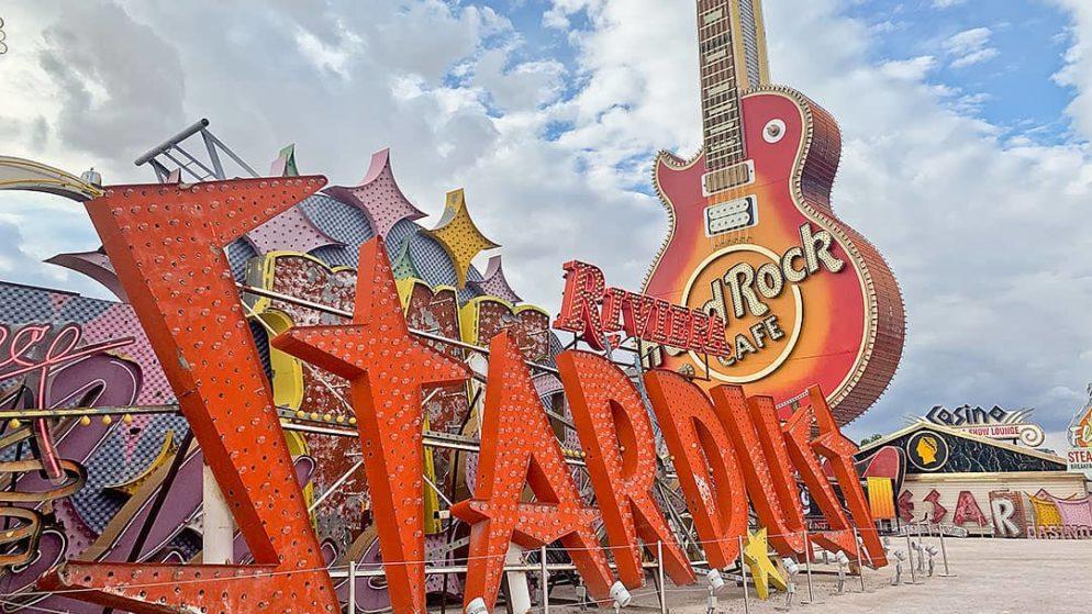 Las Vegas' Neon Museum Attaches Spanish-Language Tours of Classic Casino Signs